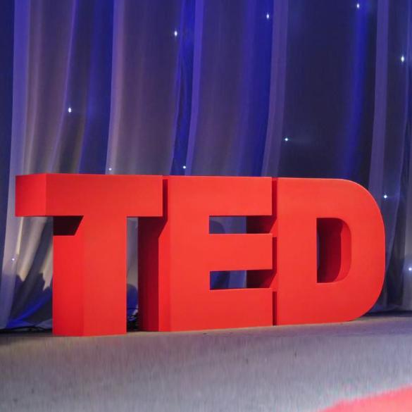 5 conferenze TED che ogni social media pro dovrebbe guardare